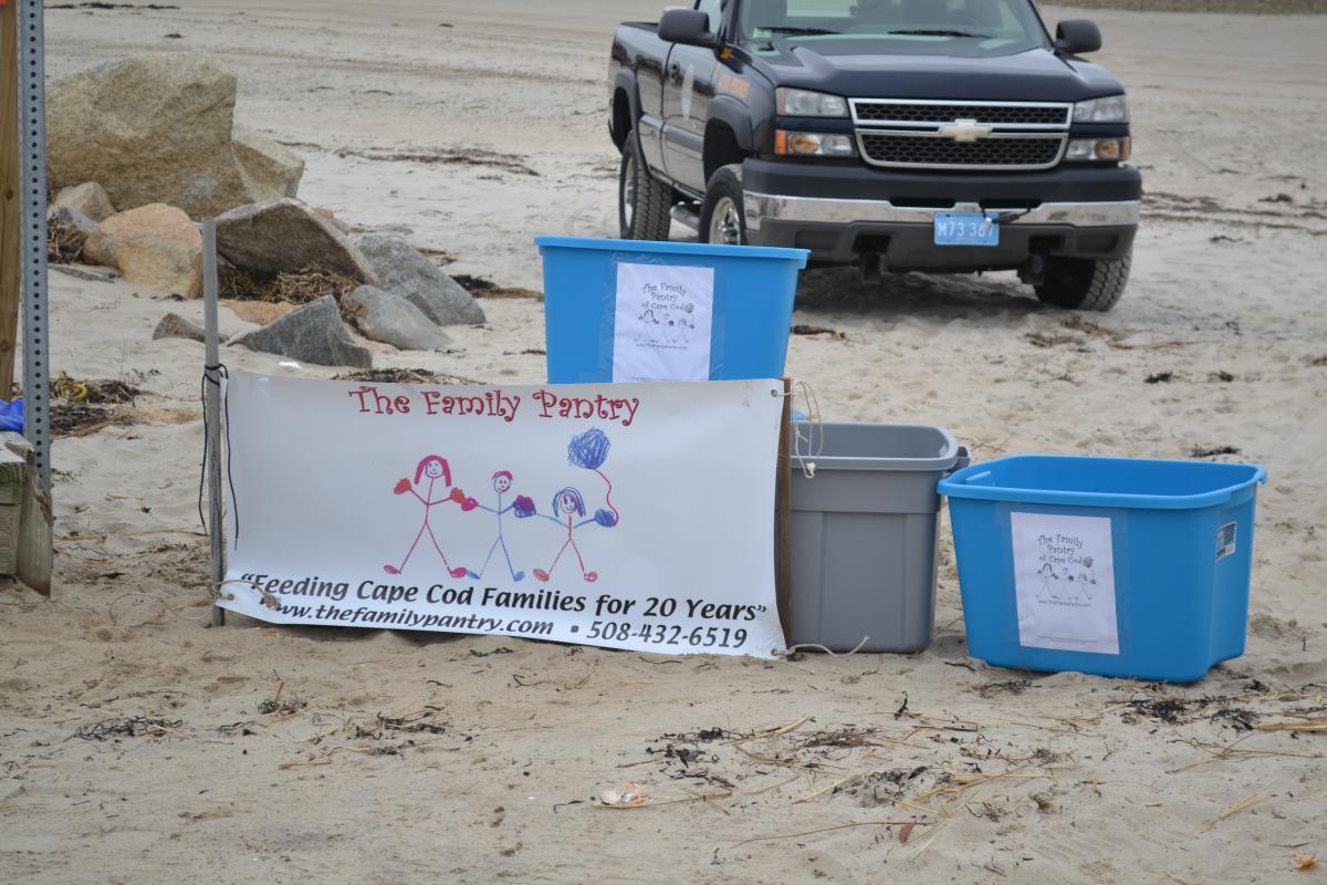 2014 Oyster Give-A-Way: November 16, 2014 (Photos taken by Karen Johnson)